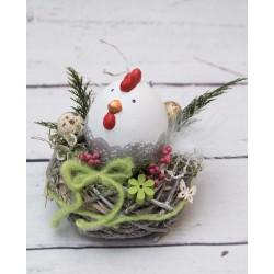 Huhn im Nest
