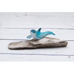 Delfin auf Holz